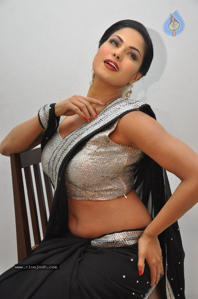 Sexy veena malik photos