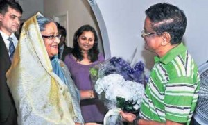 Pm Visits Ailing Humayun Ahmed In Ny Digital Bangladesh Bangladesh Dhaka News
